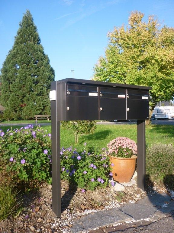Briefkasten-Anlage mit LED-Beleuchtung